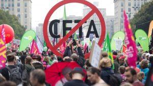 tausende-menschen-an-der-demonstration-gegen-die-handelsabkommen-ceta-und-ttip-in-berlin-teil