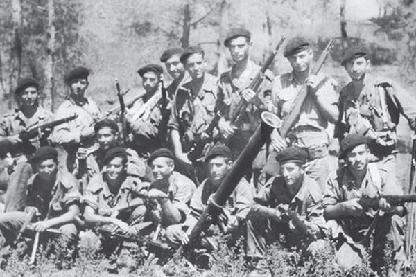 οπλίτες της εθνοφρουράς